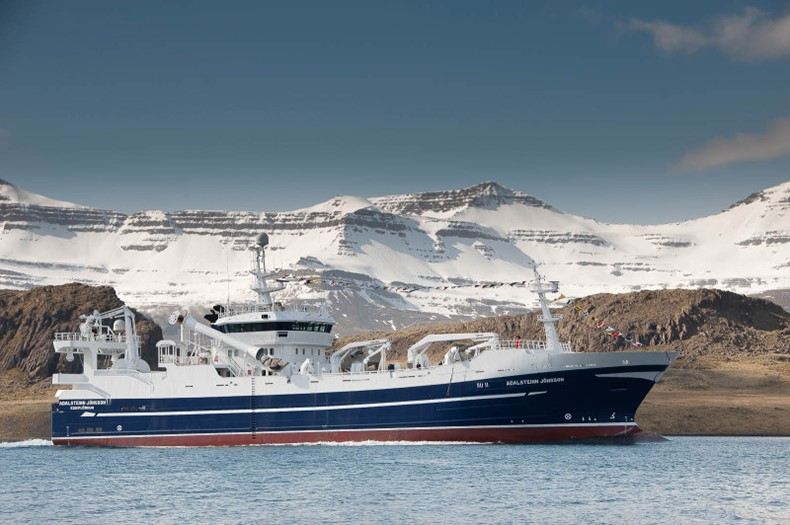2699 Freezer trawler/ Pelagic vessel